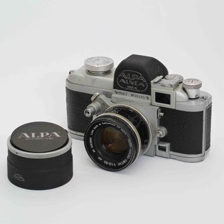 こだわりのスイス製カメラ、アル...